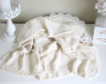 Baby blanket - Newborn blanket - Toddler blanket - Knitted blanket - Crochet blanket - Baby shower - Blanket - Bedding - Cream