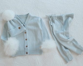 Set of 3 - Baby girl sweater, pants and Pom Pom hat - Pale blue outfit with fur trim - Baby girl set - Merino wool set