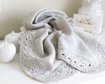 Baby blanket - Newborn blanket - Toddler blanket - Knitted blanket - Crochet blanket - Baby shower - Blanket - Bedding - Light grey