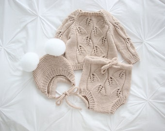 Set of 3 - Baby girl sweater - Baby boy set - Sweater, shorts and bonnet - Baby girl outfit - Beige baby outfit - Boy outfit - Merino