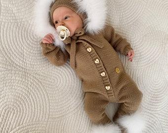 Set of 2 - Baby romper  - Baby bonnet - Long legs romper with footies - Romper with fur trim hood - Baby girl - Baby boy