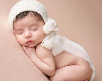 Newborn girl hat - Photo prop hat - Sitter props - Baby girl hat - Photo props - Girl hat - Photography prop - Newborn props - Cream