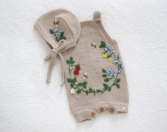 Set of 2 - Merino set - Baby girl set - Baby boy set - Embroidery - Brown romper and bonnet - Baby boy outfit - Outfit with embroidery