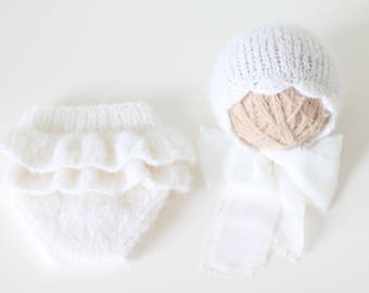 Newborn girl - Newborn props - Newborn shorts - Baby girl props - Photo props - Baby photo prop - Newborn baby photo - White - Baby girl