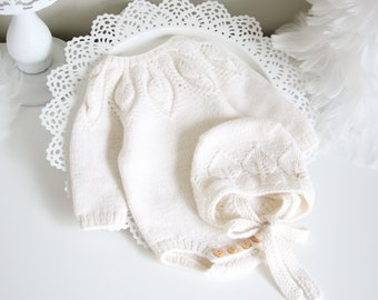 Set of 2  - Long sleeve romper and bonnet - Baby boy prop - Photo props - Baby photo prop - Baby girl - Baby boy - Cream - Baby girl outfit