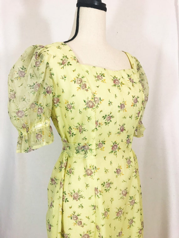 Vintage 1970s Romantic Puff Sleeve Pastel Floral P