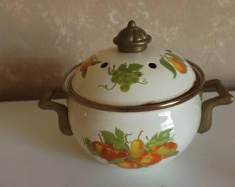 Collectible Fruit Design  Enamelware Casserole Pot  W Lid 5 1/2 x 3 1/4  CL15-2