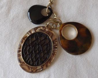 """Vintage Oval Pendants Necklace 28"""" Chain CL20-8"""