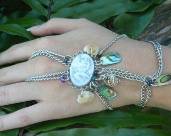 Mermaid Slave Bracelet,Hand Chain,Abalone Bracelet,Mermaid Jewelry,Cosplay,Costume,Siren Bracelet, Mermaid Cameo,Bracelet,Beach Jewelry