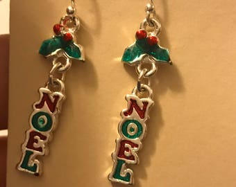 Noel Red and Green Christmas Holiday Dangle Earrings