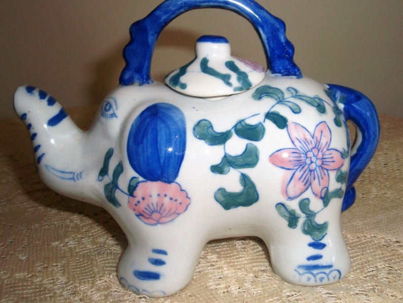 Hand Painted Small Porcelain ELEPHANT Three Cup Teapot Blue and White Elephant Teapot
