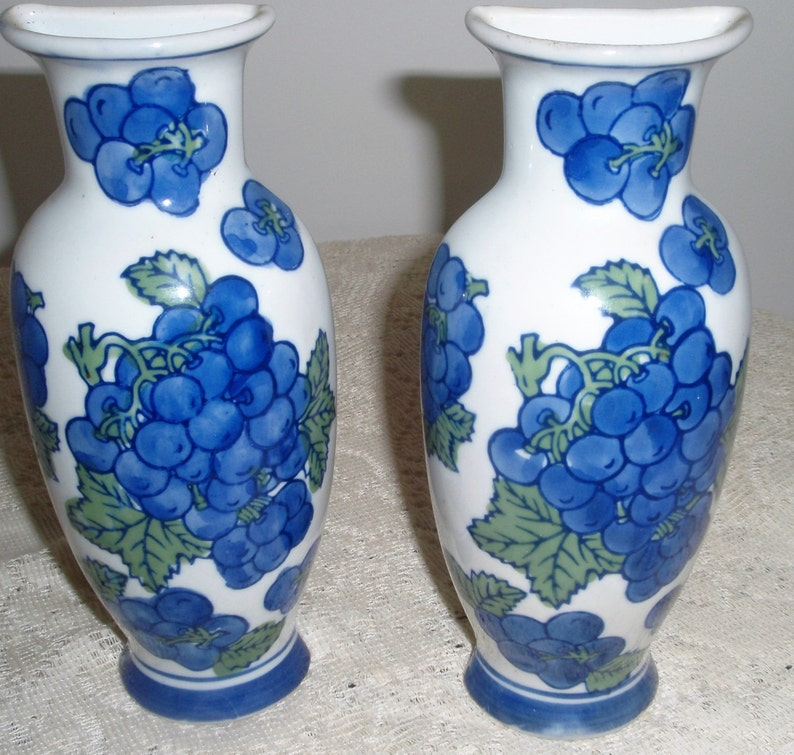 Wall Pocket Vase Blue And White New