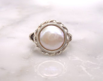 Natural Mabe Pearl White Gold Ring - Size 7 1/4 and easy to size