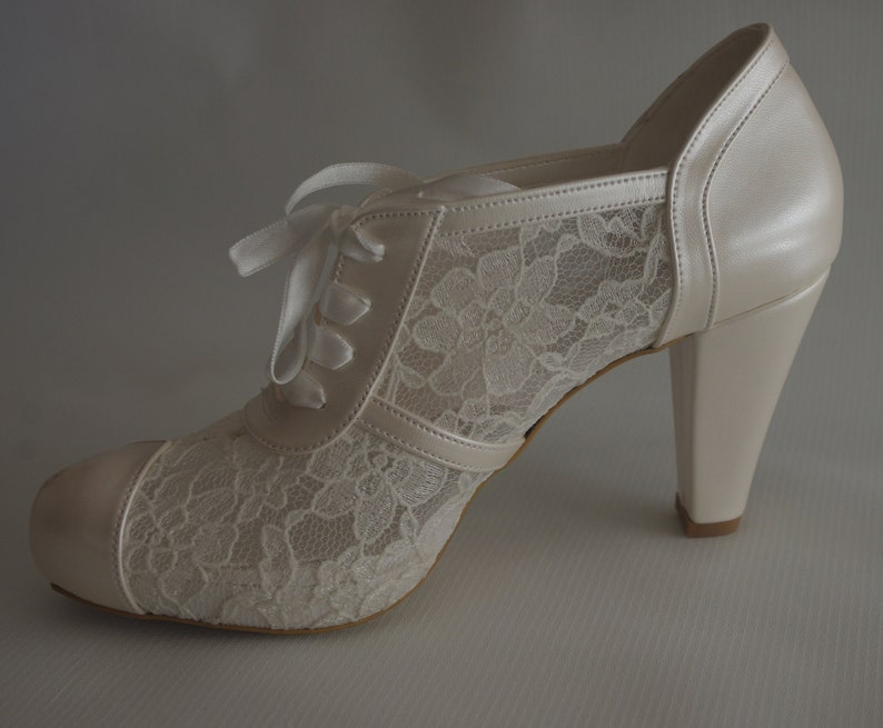 a8bccf3704 HANDMADE Wedding shoes, Bridal, Bridesmaid, Brides, Handmade shoes, French  GUIPURE lace, ivory /pearl color and via UPS