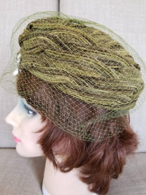 Vintage 30's Woman's Veil Hat