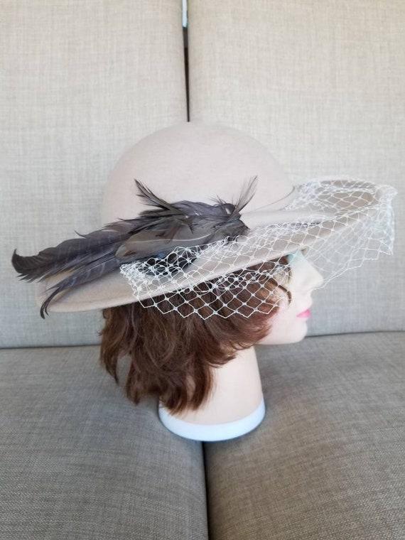 "Women's Veiled Beige Wool Broad Brimmed Felt Hat """