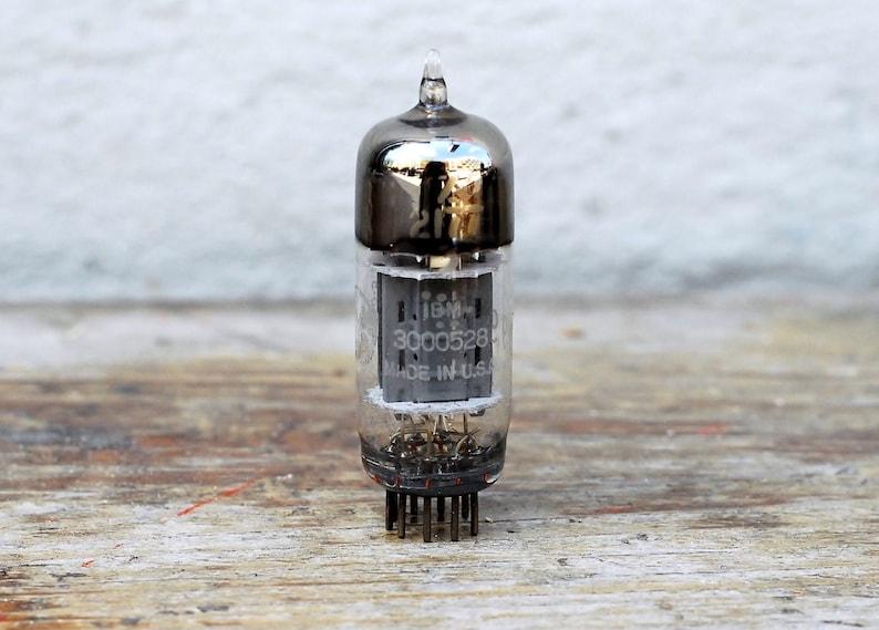 IBM Z2177 vacuum tube used in early digital circuits 30000528 image 0