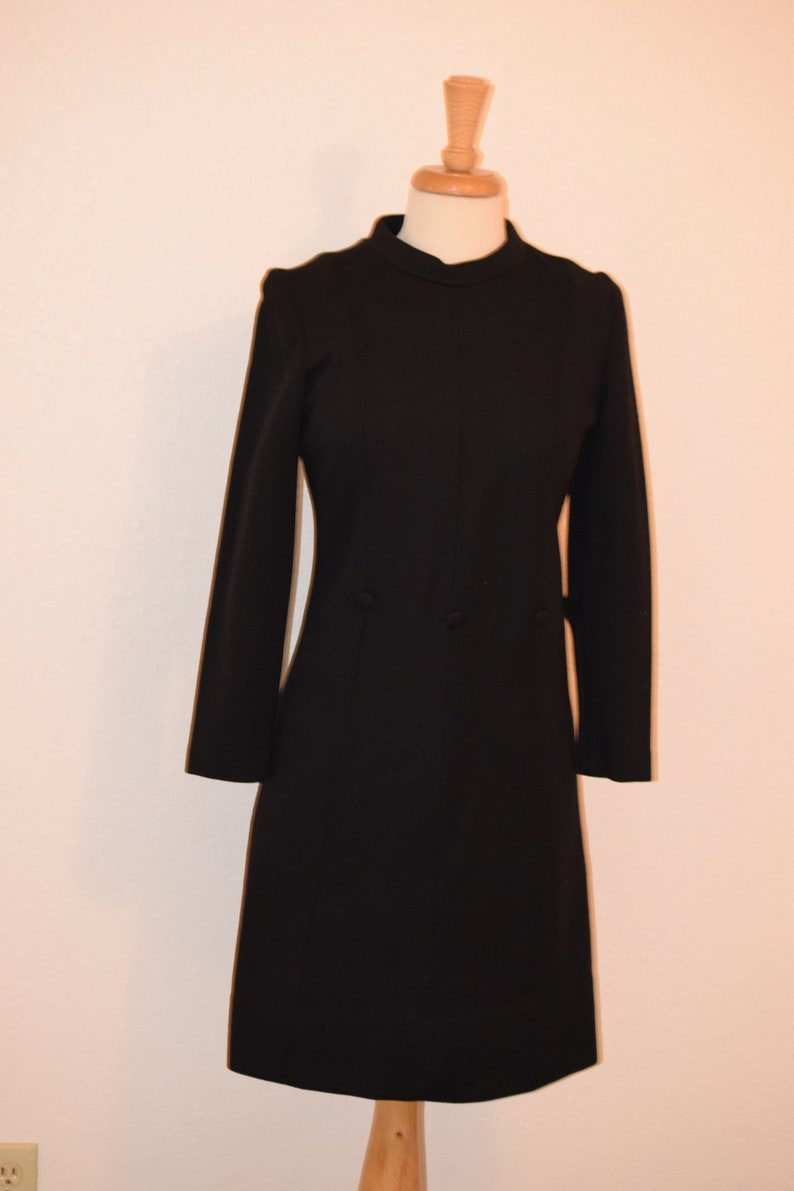 Black Double Knit Union Made /'Trends by Jerrie Lurie/' Sheath Mad Men Dress with Stand Up Collar and button Detail Women/'s Small to Medium