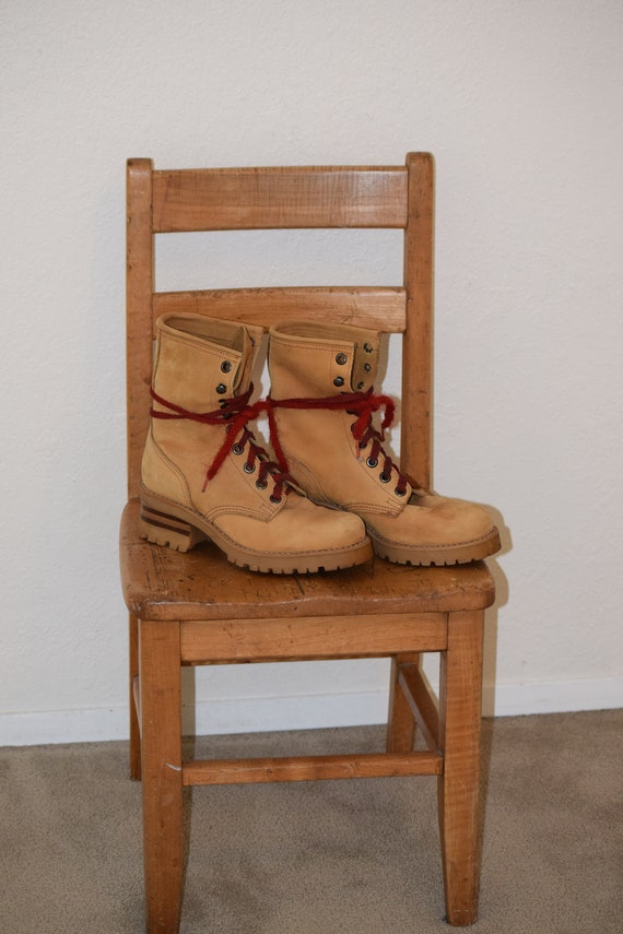 Chunky Nine West NW Camel Tan Suede Mid Ankle Lace