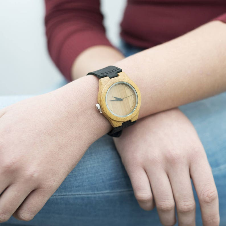 d0101d59bef5 Reloj de pulsera madera Bambú grabado texto personal