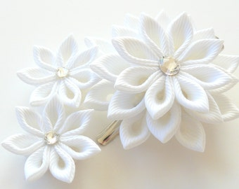 White Bridal Kanzashi fabric flower hair clip. Bridal Hairpiece.