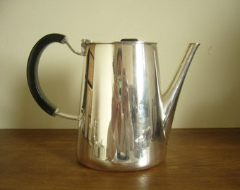 Vintage 1960s Walker & Hall silver plated coffee pot with black handle and finial, Fanfare silver plated coffee pot designed by David Mellor