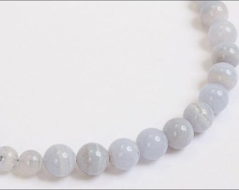Light blue lace agate beaded necklace