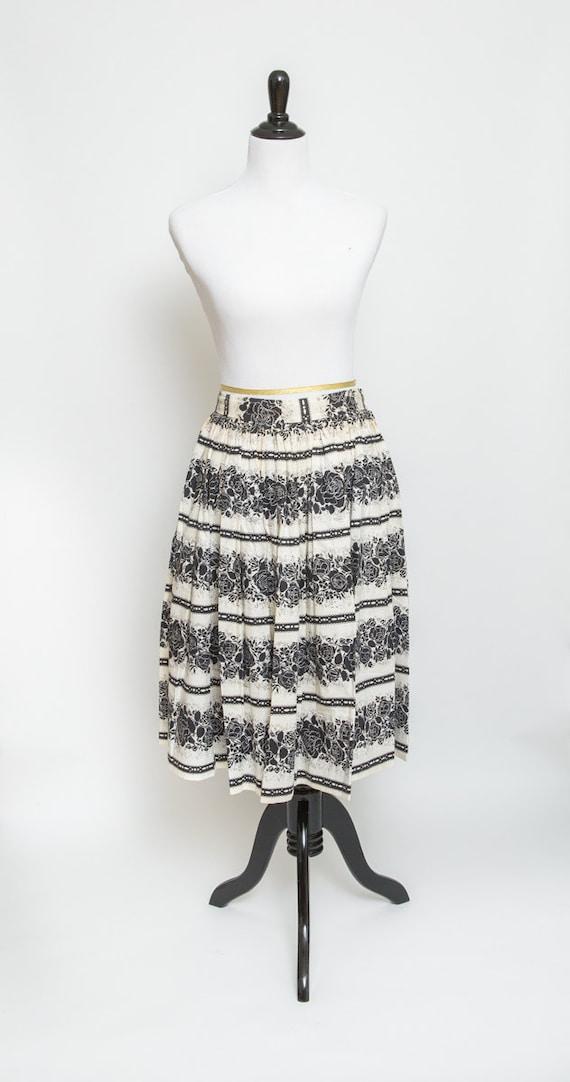 Black and white vintage skirt