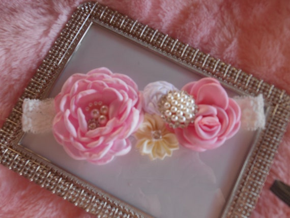 BABY//REBORN DOLL GOLD AND WHITE ROSETTE HEADBAND 0-3 MONTHS ONLY