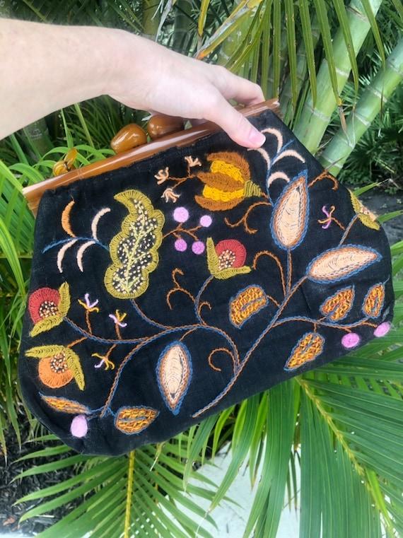Vintage handbag with lucite handle