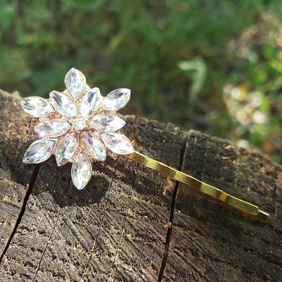 Small Gold Tone Rhinestone Bridal Hair Pin Rhinestone Flower Hairpin Rhinestone Bobby Gold Wedding Hair Pin Crystal Starburst ACC21