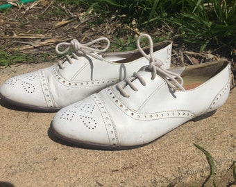 Vintage 1980s White Oxford / Saddle Shoes / 6.5 - 7