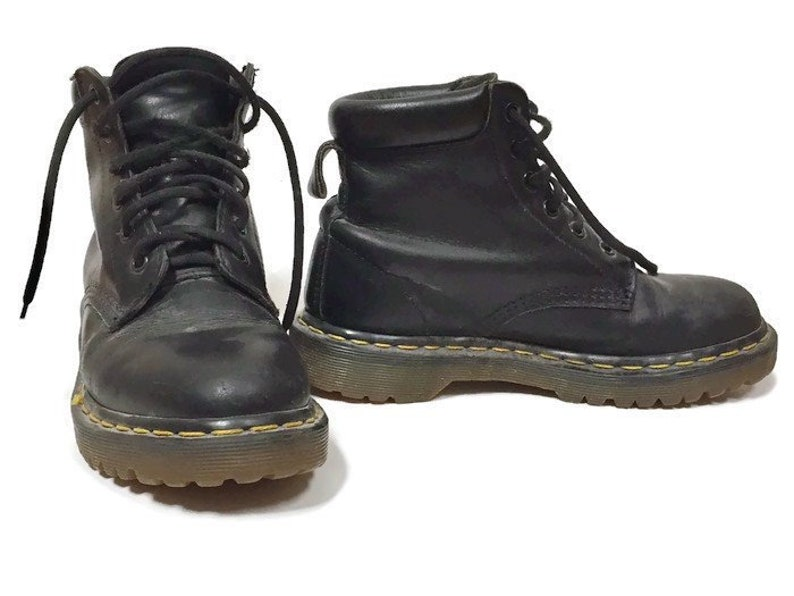 dcfee9e5645b Vintage Doc Martens Womens 7 Black Leather Combat Ankle Boot