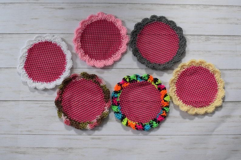 Jar Opener Gripper with Crochet Edging  Pink image 0