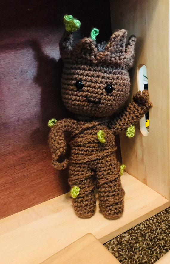 Baby Groot Amigurumi tutorial (DIY) - YouTube | Animales de ... | 888x570