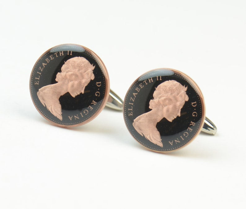 Coin Penny Painted Cufflinks United Kingdom.Great Britain.Queen Elizabeth