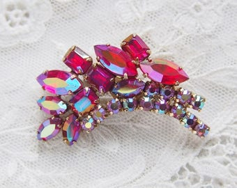 Vintage Red Pink Aurora Rhinestone Brooch Pin / CJ2852