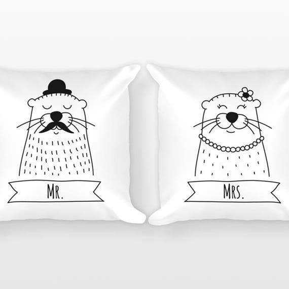 Mr and Mrs Pillows, Otter Couple Pillows, Anniversary Gift, Unique Wedding Gift for Couples Gift Set of 2 Throw Pillows, Engagement Gift