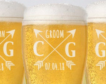 Groomsmen Gift, Personalized Beer Glasses, Custom Engraved Pilsner Glass, Wedding Party Gifts, Gifts for Groomsmen, 16oz Glasses
