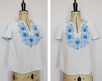 fbaea1f5a74cb4 Vintage 1960s 70s 30s embroidered Hungarian blouse - 70s Peasant blouse -  Hungarian top - Peasant top - Folk blouse - Gypsy blouse - Boho