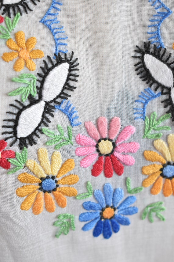 Vintage 1930s 40s Hungarian embroidered sheer cot… - image 4