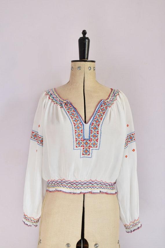 Vintage 1930s Hungarian embroidered silk crepe bl… - image 2