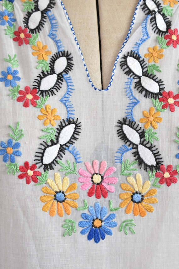 Vintage 1930s 40s Hungarian embroidered sheer cot… - image 3