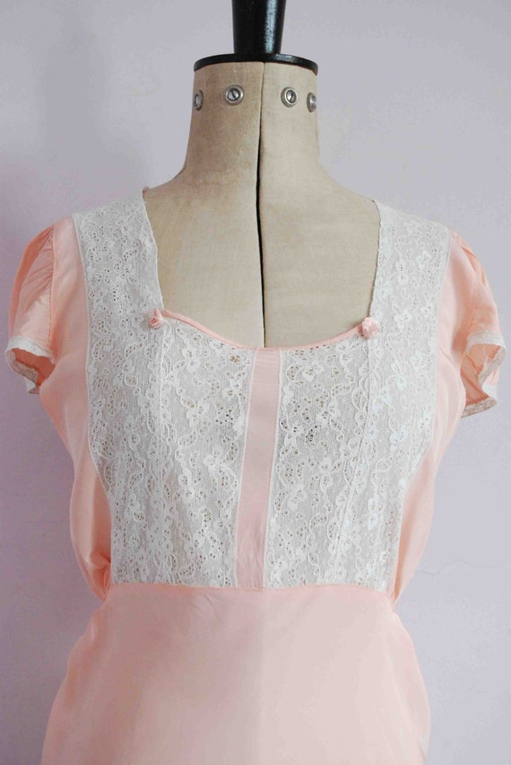 Vintage 1930s pink lace bias cut rayon silk slip … - image 4