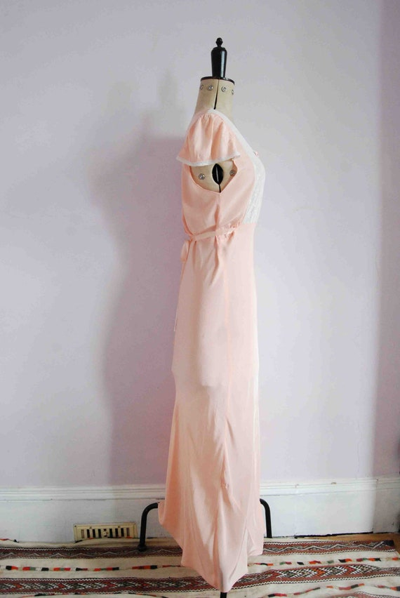 Vintage 1930s pink lace bias cut rayon silk slip … - image 6