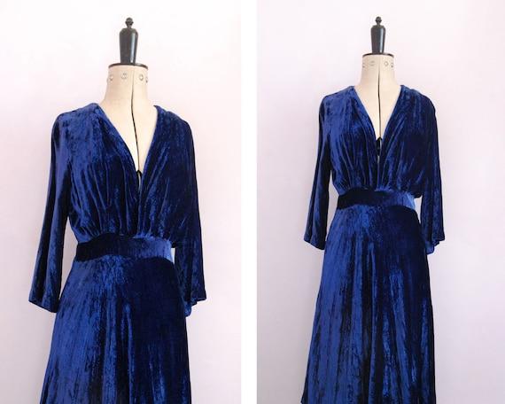 Vintage 1930s wrap blue velvet evening dress - Lon