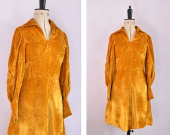 Vintage 1970s Devoré velvet gold mini dress - 70s Burnout velvet collared long sleeved dress - 70s devore dress - 70s velvet mini dress