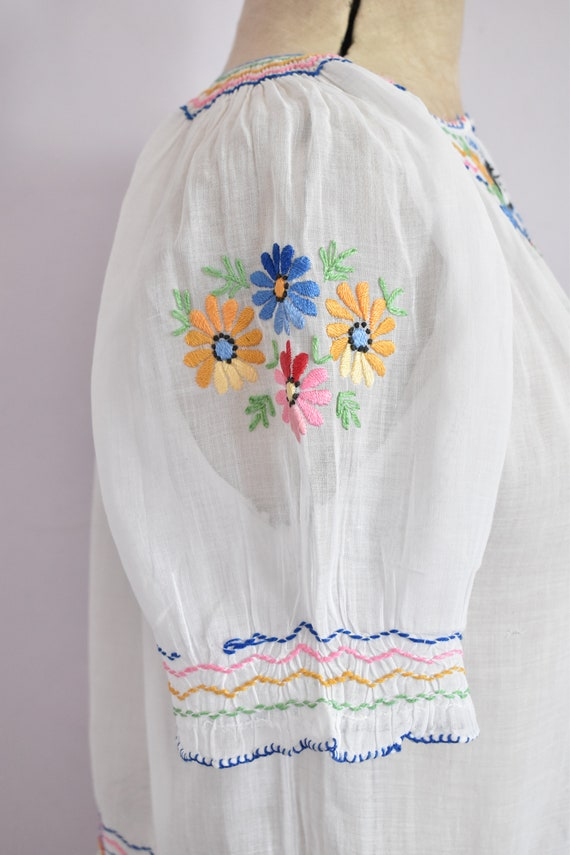 Vintage 1930s 40s Hungarian embroidered sheer cot… - image 7