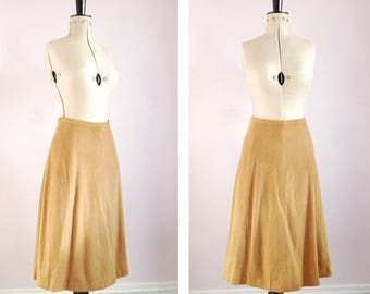 Vintage 1960s 70s Tan soft suede A line skirt - High waist suede skirt - Suede skirt - Camel beige suede skirt - boho hippy hippie skirt