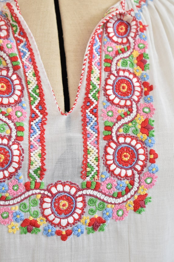 Vintage 1930s embroidered Hungarian sheer blouse … - image 4